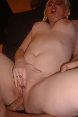Nackt Zu Hause 13 Porno-Bilder, Sex Fotos, XXX Bilder